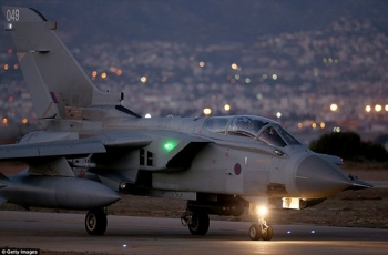 """An RAF Tornado arrives at the British base in Cyprus, ready for operations in Syria • <a style=""""font-size:0.8em;"""" href=""""http://www.flickr.com/photos/139546847@N02/24827720189/"""" target=""""_blank"""">View on Flickr</a>"""