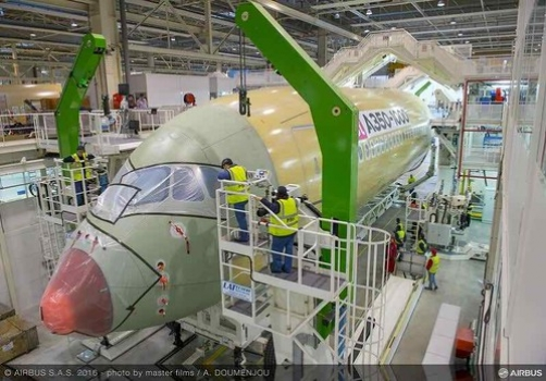 """Airbus begins final assembly of A350-1000 • <a style=""""font-size:0.8em;"""" href=""""http://www.flickr.com/photos/139546847@N02/25169072806/"""" target=""""_blank"""">View on Flickr</a>"""