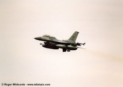 """F-16 Fighting Falcon • <a style=""""font-size:0.8em;"""" href=""""http://www.flickr.com/photos/139546847@N02/30202254332/"""" target=""""_blank"""">View on Flickr</a>"""