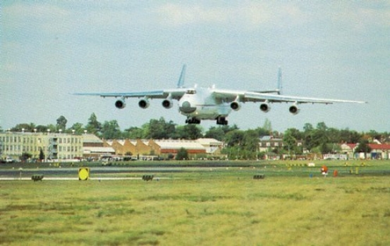 """An-225_b • <a style=""""font-size:0.8em;"""" href=""""http://www.flickr.com/photos/139546847@N02/30283279056/"""" target=""""_blank"""">View on Flickr</a>"""