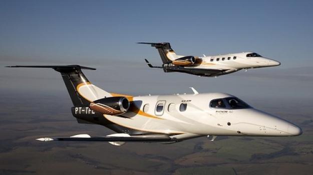 "Embraer Phenom 100 EV • <a style=""font-size:0.8em;"" href=""http://www.flickr.com/photos/139546847@N02/30681077661/"" target=""_blank"">View on Flickr</a>"