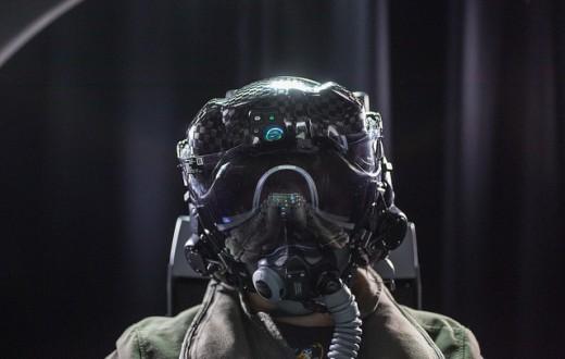 Lightweight F-35 helmet tests begin