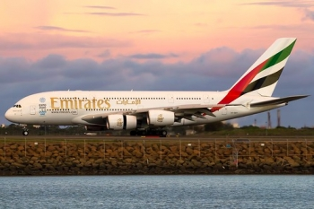 """Emirates' Expo 2020 A380 at Sydney • <a style=""""font-size:0.8em;"""" href=""""http://www.flickr.com/photos/139546847@N02/29687811544/"""" target=""""_blank"""">View on Flickr</a>"""